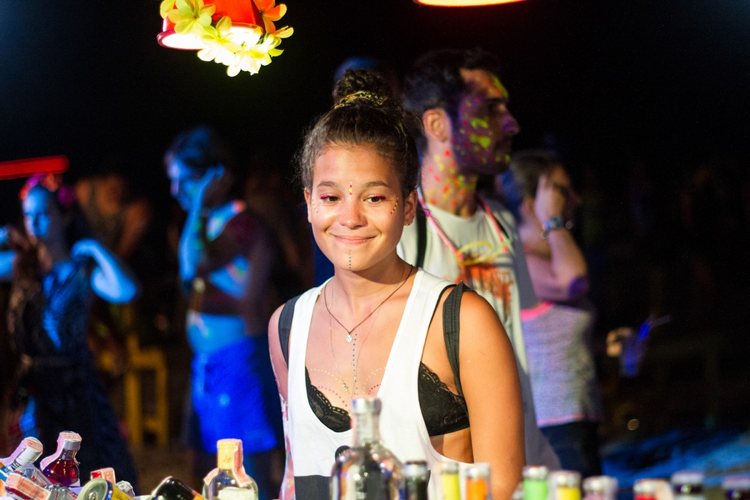 Full Moon Party 8 October 2014 Photo 16. Girl.